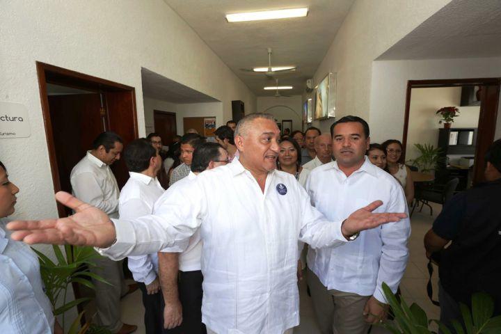 Ayuntamiento inaugura oficinas de su direcci n de turismo for Oficina de turismo de merida